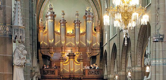 Robustelly-orgel-St.-Lambertuskerk-Helmond